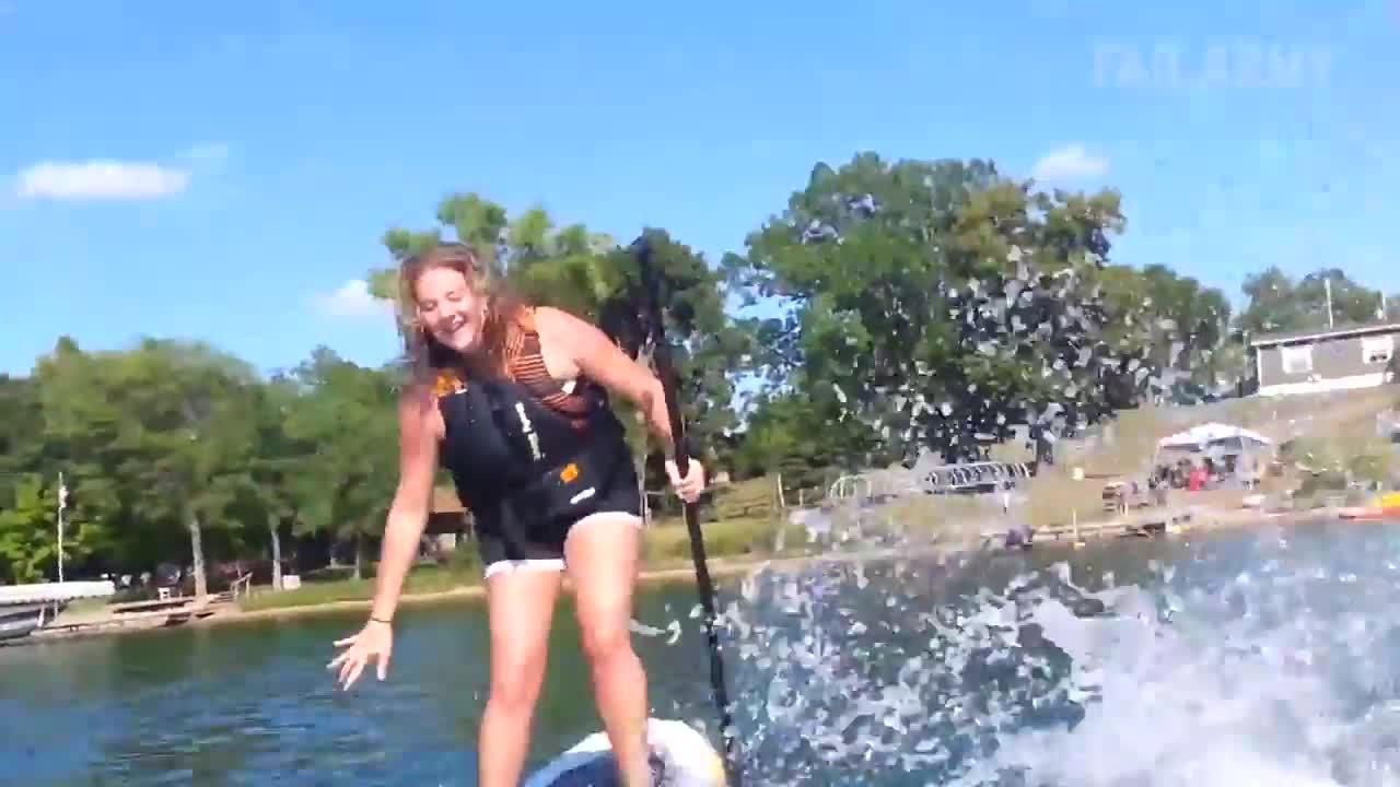 美女悲催失败,水上运动搞笑视频,笑死人了!