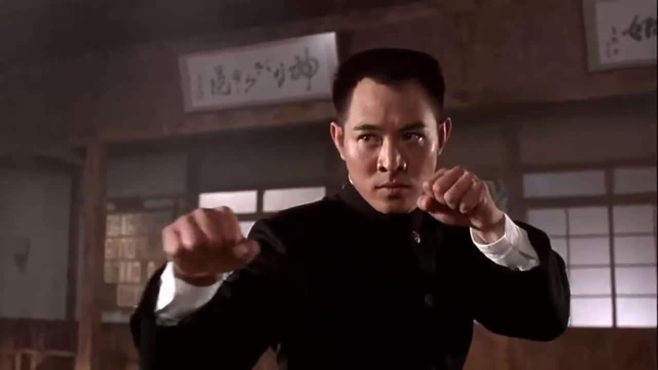 《精武英雄》李连杰吊打日本人,每一次看都热血沸腾