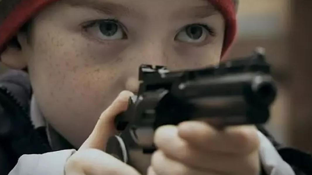 #经典看电影#一部脑洞大开的喜剧片,8岁小男孩情窦初开,拆散了订婚的女老师