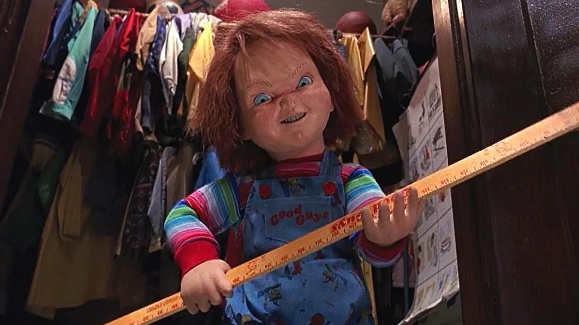 #惊悚看电影#三分钟看惊悚片《鬼娃回魂2》,小娃娃越来越狂野,这次不用刀了