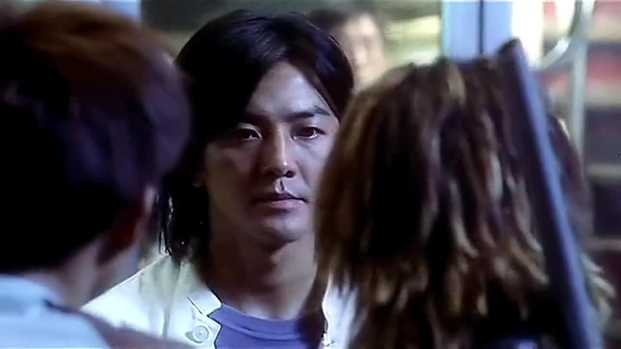 浩南隐退江湖被小混混欺负,以前的兄弟出来助威,对面瞬间怂了!