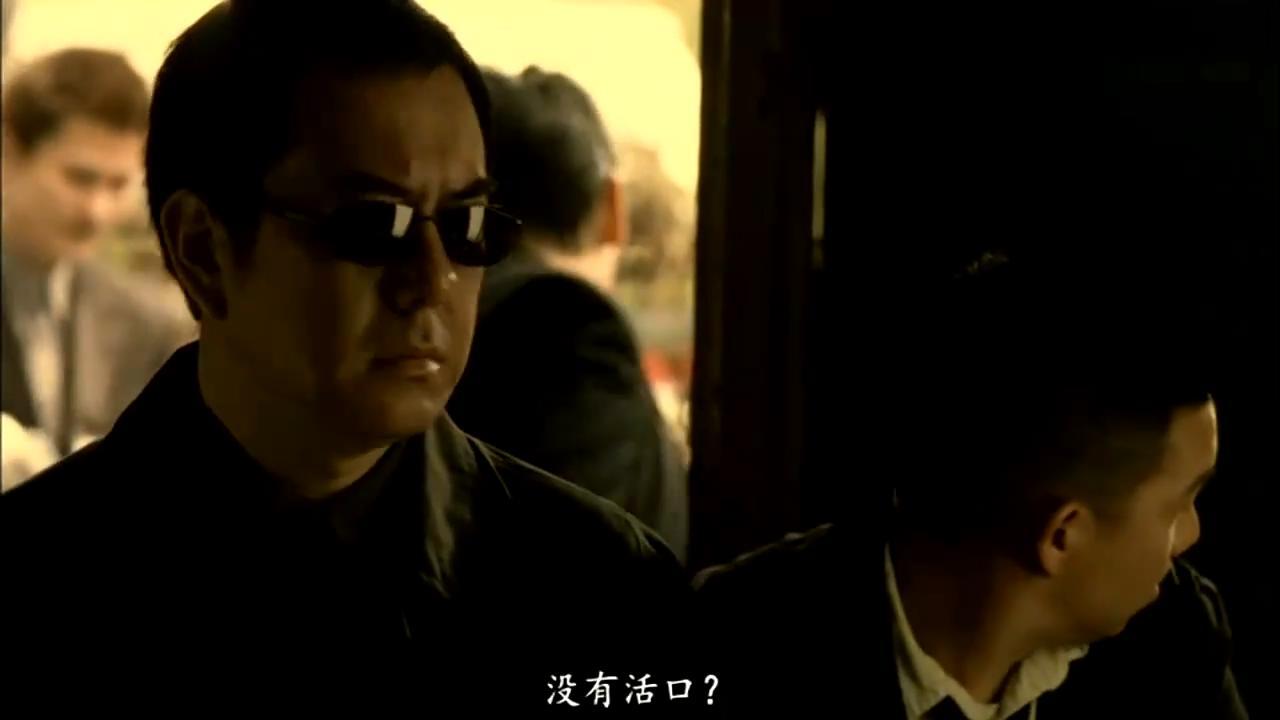 #经典看电影#黄秋生查看凶杀案现场,想象力真丰富,一下子还原出过程