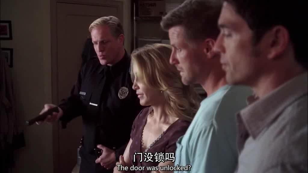 本来看监控是为了破案,但是却看到这一幕,男子表情瞬间凝固