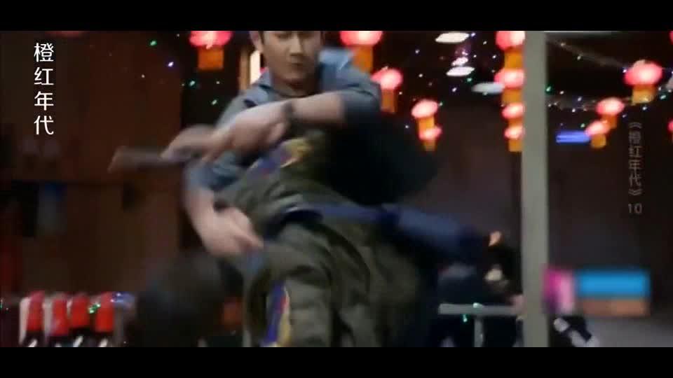 #经典看电影#刘子光徒步手制恶徒,光速拆卸枪支,这战斗力太强了吧!