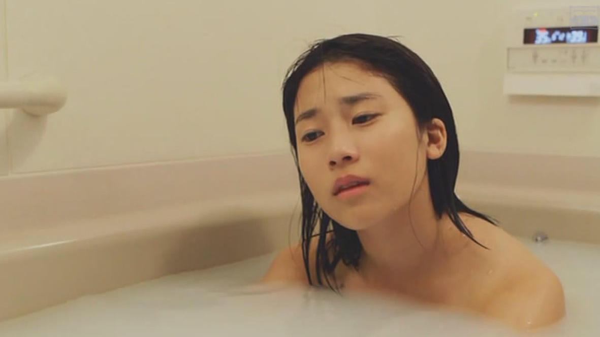 胆小者看的电影解说:几分钟看完日本恐怖电影《睡美人》