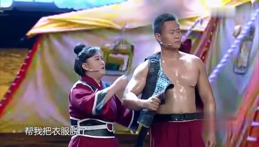 """贾玲饰演""""花木兰""""从军,居然调侃起将军的腹肌,太色了!"""