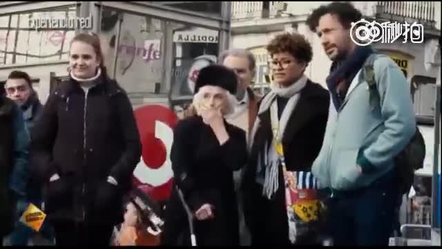 厉害了我的奶奶 !老奶奶与街头舞者跳舞,跟开了挂一般