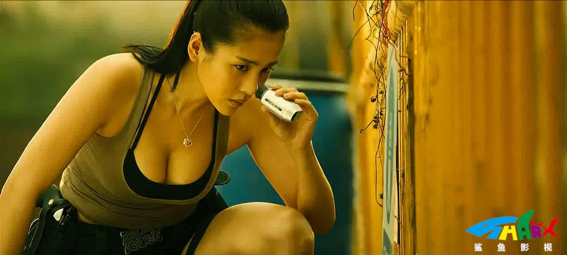 #羞羞看电影#中国版《生化危机》,面瘫女主角颜值撑起整部剧情《特工艾米拉》