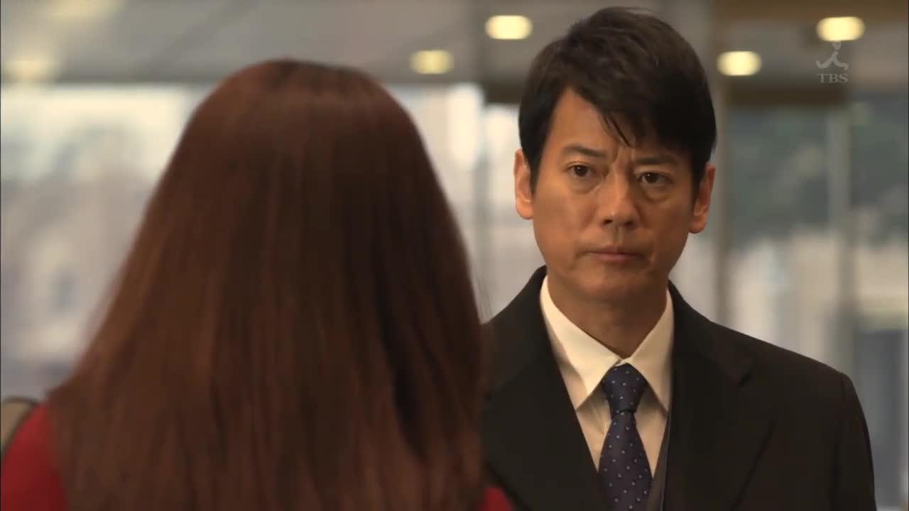 在壮一郎指使下,胁坂来到神山多田法律事务所