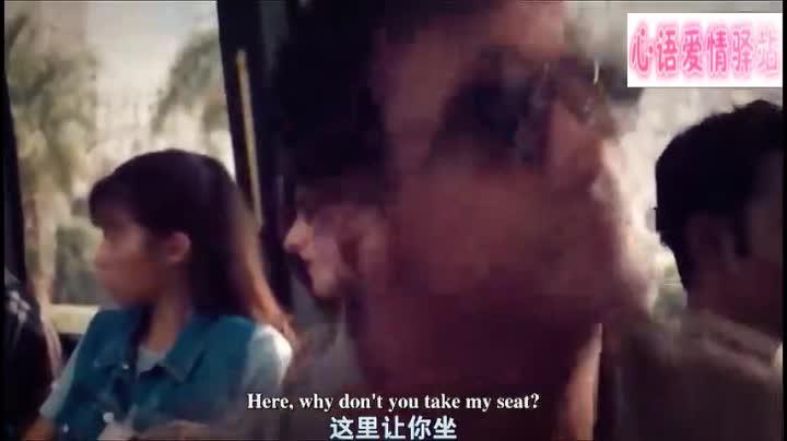 史泰龙让位子给孕妇,被小混混抢了,然后小混混就被暴揍,真解气