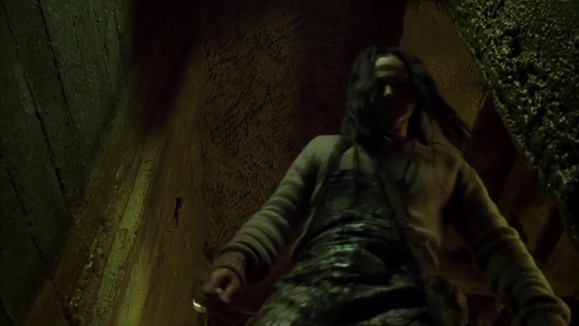 #惊悚看电影#恐怖电影,看完背脊发凉,你敢在一个人看完吗?