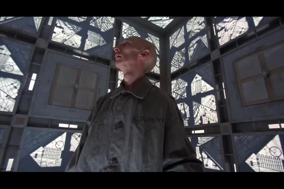 大叔被困在二次元迷宫,打开门却找不到出路,这是要死的节奏啊
