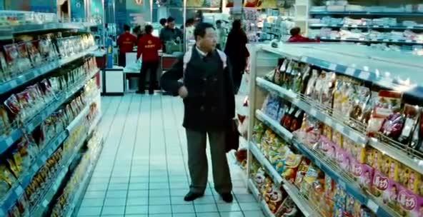 范伟这段戏据说是他现场想出来的,不愧为影帝,太精彩