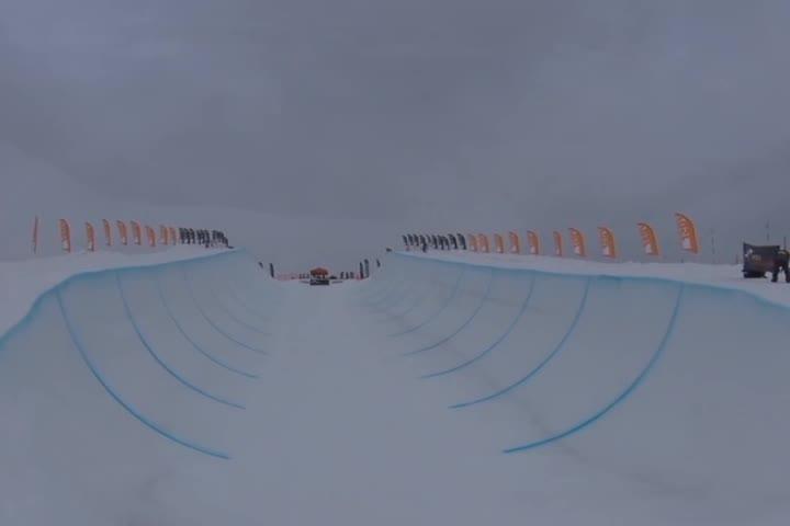 滑雪比赛。