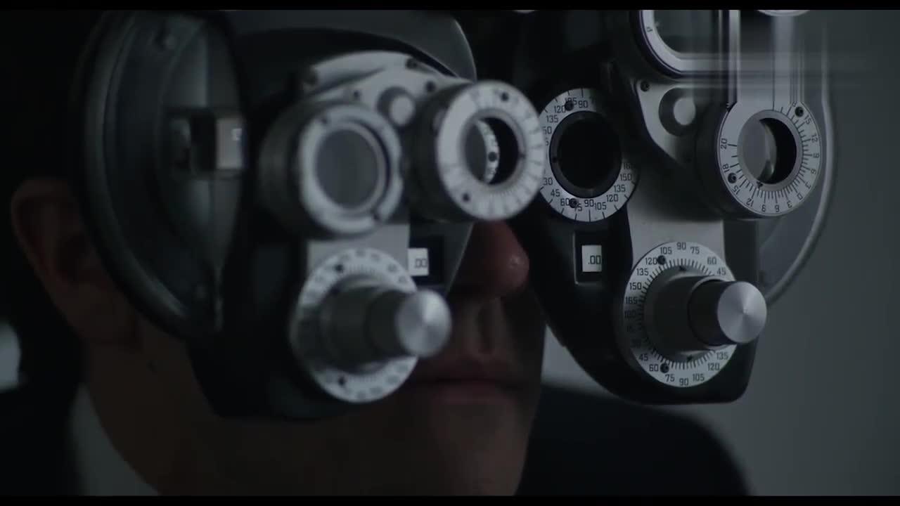 #电影#惊悚悬疑电影《天鹅绒圆锯》预告:2月1日网飞上线!