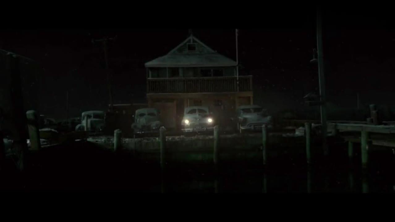 我们都在等你平安回家,全镇人自发用车灯照亮黑暗为船引导方向