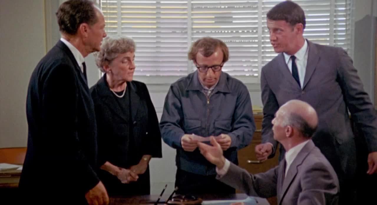 #搞笑电影#伍迪艾伦电影《傻瓜入狱记》史上最倒霉的罪犯,无厘头鼻祖