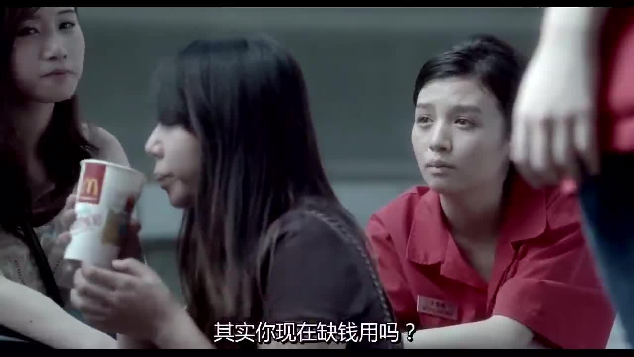 香港少女生活不容易,一人要做好几份工作