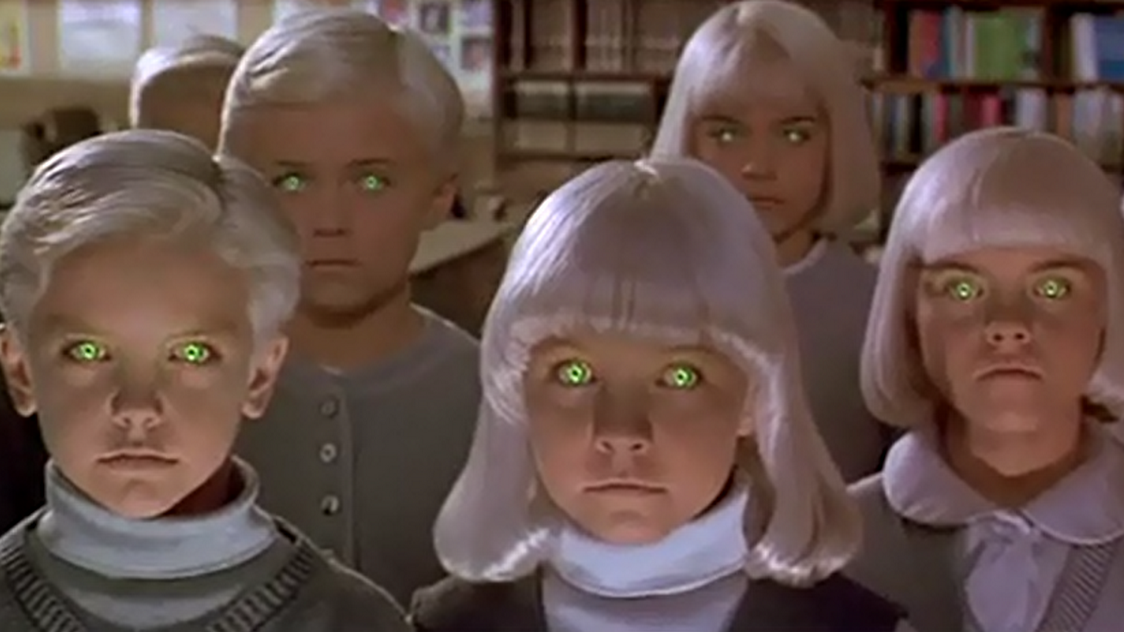 #惊悚科幻片《魔童村》#小镇上的女人全部怀孕,是外星人的?一部悚科幻片《魔童村》