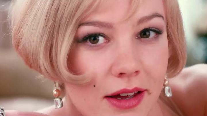 #剧情爱情片   #百万富翁却迷失于编织的春梦中,五分钟看完《了不起的盖茨比》