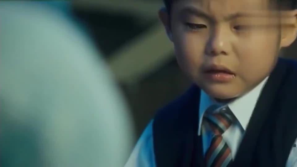 《九龙冰室》陈浩南被人一刀捅死,临死前口口声声说对不起她