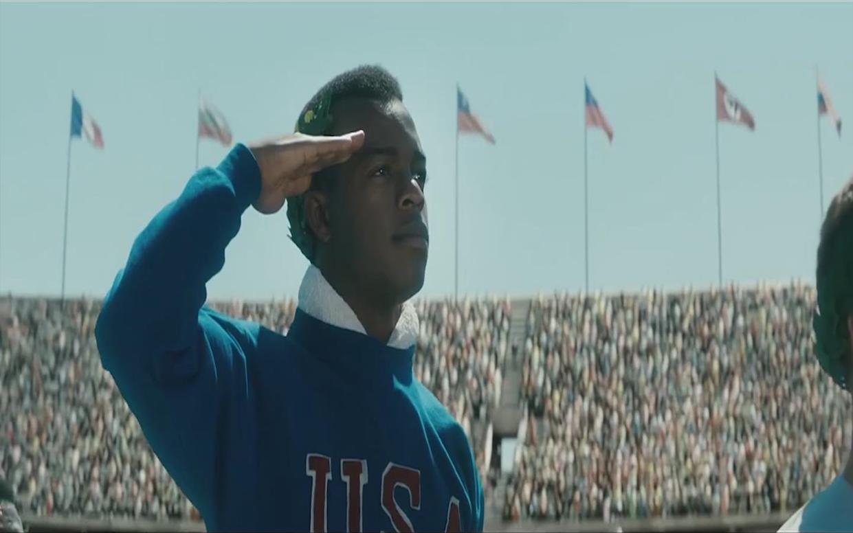 #经典看电影#黑人小哥从小被歧视,长大后创造多项世界纪录,用成绩打脸希特勒