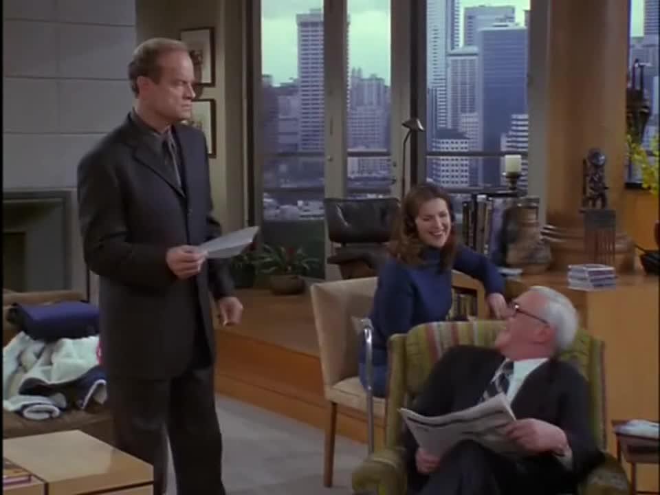 在饭局上,父亲与自己新交的女友针锋相对,儿子尴尬的坐在中间