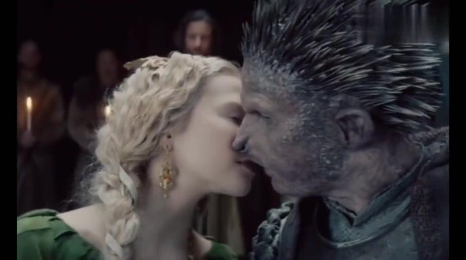 刺猬骑士来迎娶公主,骑士与公主亲亲后诅咒解开帅哥一枚