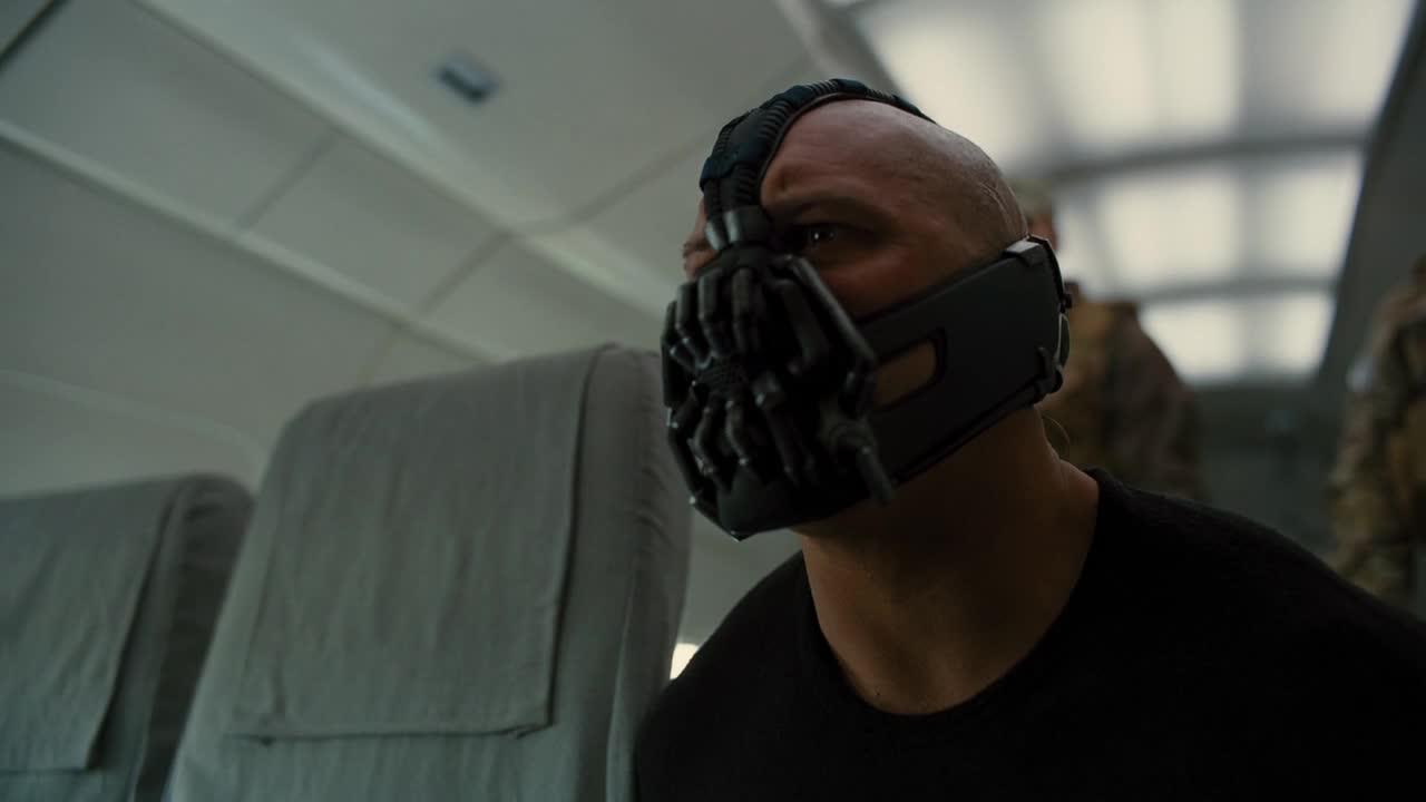 《蝙蝠侠:黑暗骑士崛起》电影开头精彩剪切