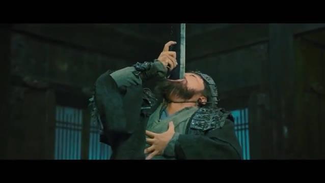 #一起看电影#见过杂耍吞剑的,你见过吞狼牙棒的吗?