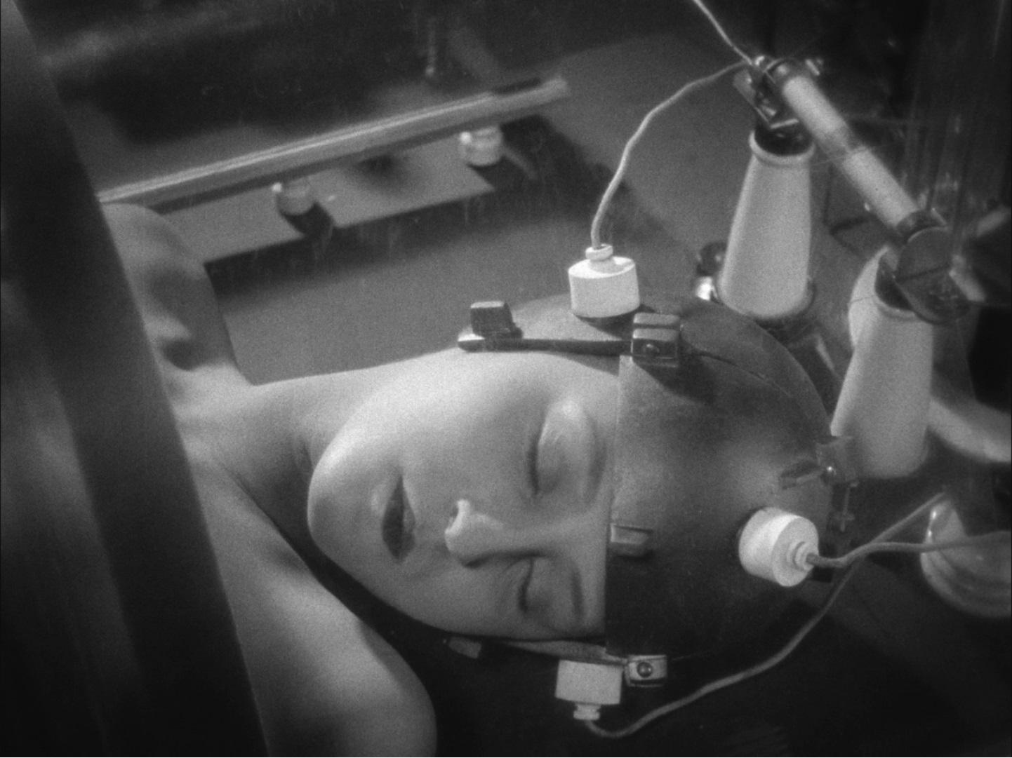 #经典看电影#豆瓣8.9分,一部资深影迷不可错过的科幻片!现代科幻电影鼻祖