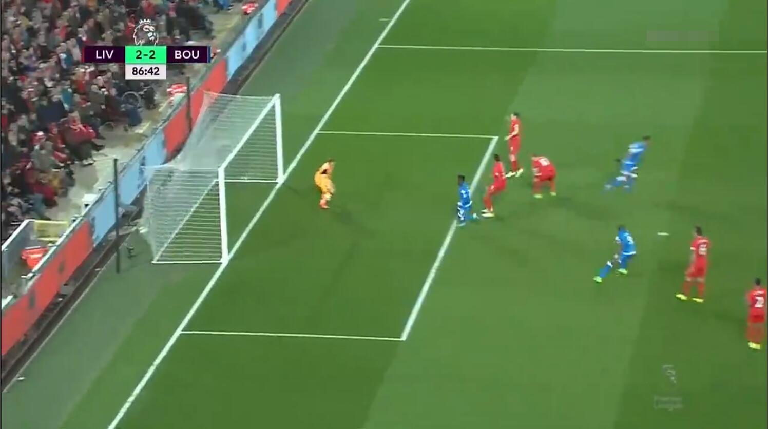 英超-铁腰送礼兽锋87分钟救主_利物浦2-2伯恩茅斯