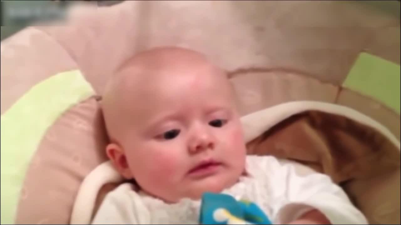 皇阿玛,你打嗝的声音吓到宝宝了