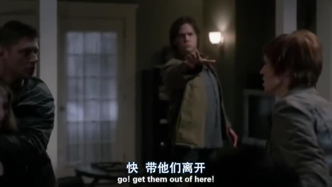 恶魔闯入男子家中,把刀架在妻子的脖子上,幸好迪恩及时赶到