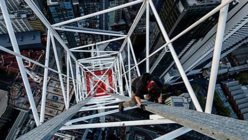 德国小伙徒手攀爬澳摩天大楼被禁止入境