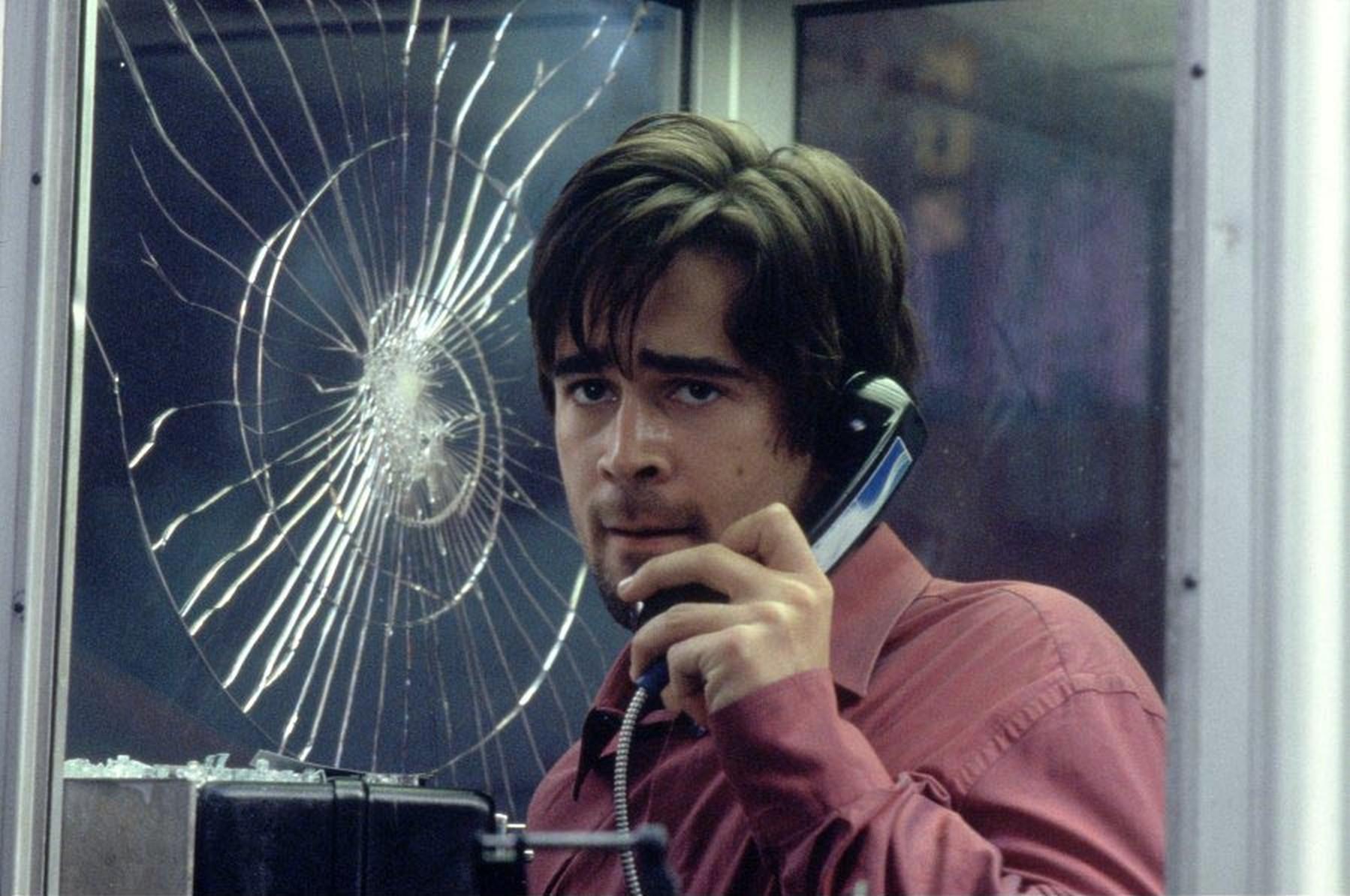 #扁豆看电影#男子被变态狙击手堵在电话亭,挂电话就死他该如何逃出生天?