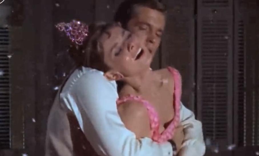 #粽情端午#一部经典爱情电影,拜金女和软饭男的故事,看完让人对爱情深思