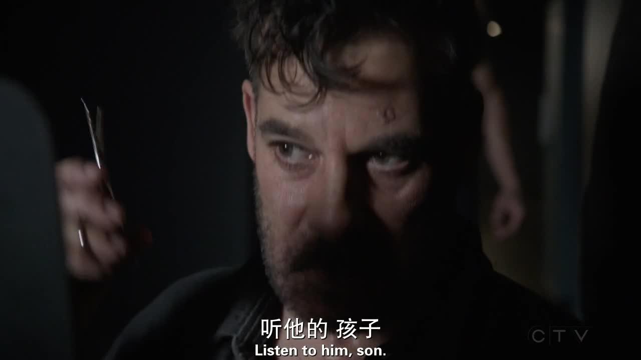 克里尔逐渐动摇心中对黑尔将军的信任,克里尔帮助科尔森逃出牢房