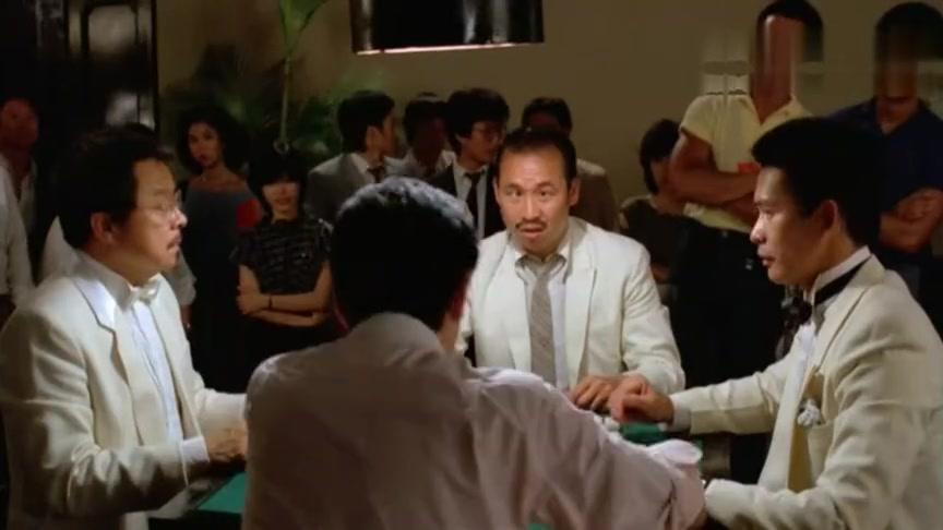 #经典看电影#他连输10把麻将,不出点奇招转转运,是无法开胡的