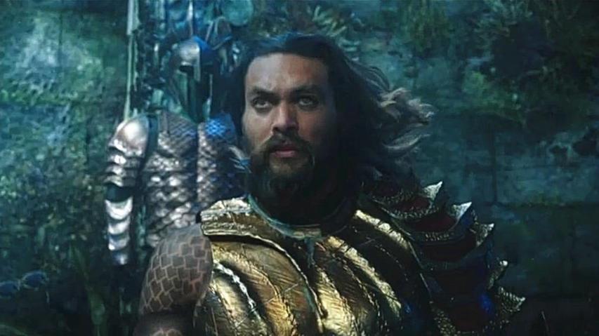 #电影最前线#拥有半陆地半海底血统的海王亚瑟,身负拯救世界保卫和平的重任