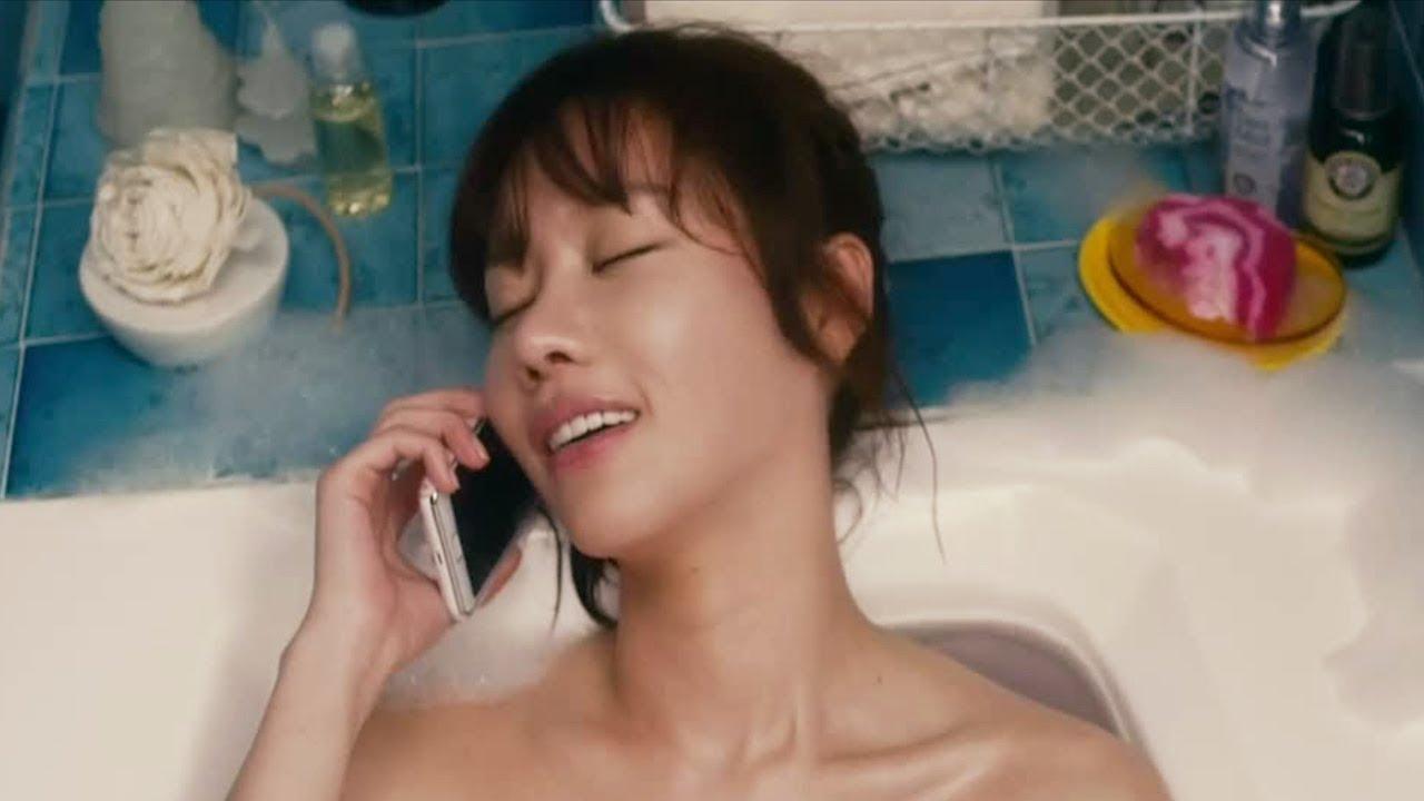 #爆笑看电影#这部电影颠覆三观,为了讨男友欢心,在洗澡时竟然做这种羞羞的事