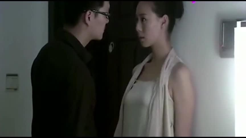 #经典看电影#温柔的谎言男朋友的动作太快了,女朋友有点反应不过来