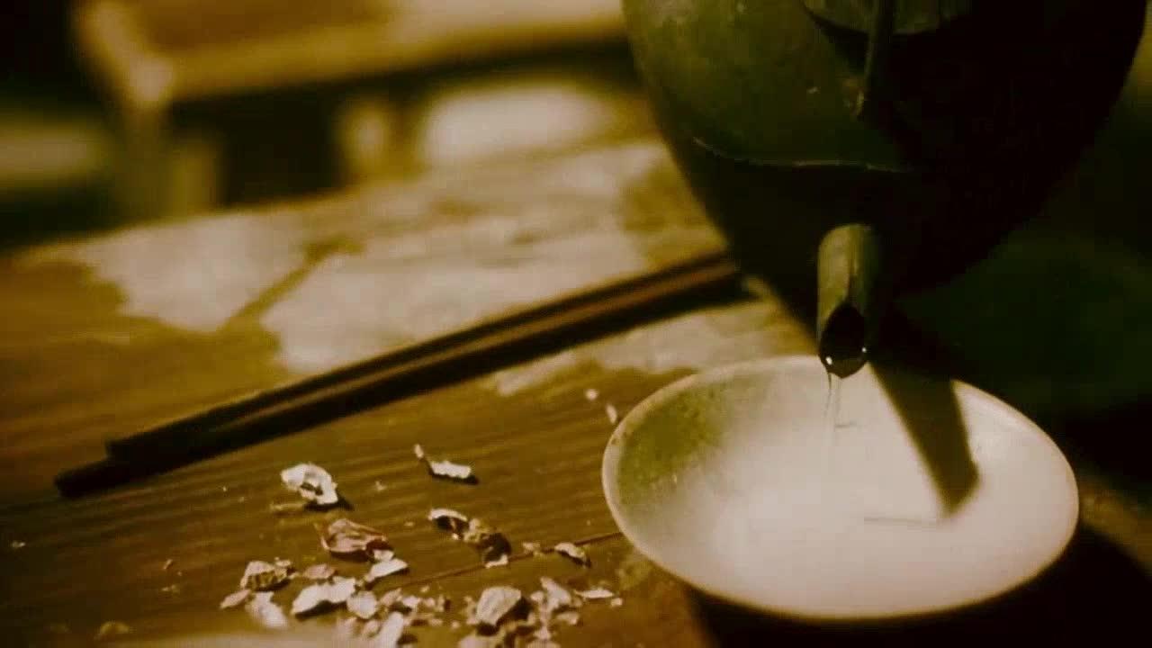 之前有人拿来一坛酒,说喝完之后就会忘记烦恼,这是忘情水吗