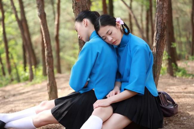 5分钟看完双胞胎姐妹被视为灾星,封建迷信思想害死人