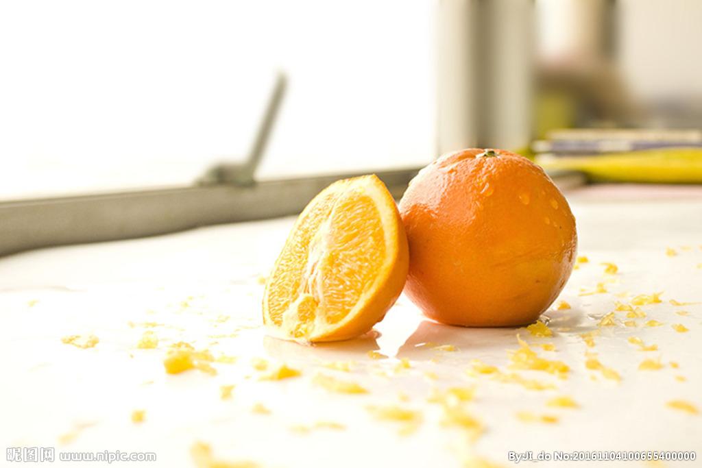 #切橙子妙招#家里来客人了,这样切橙子不流水,非常实用