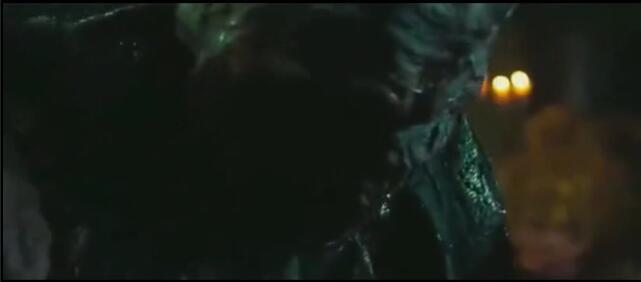 白发男和妖怪合体成功,变成终极怪物,好可怕啊!