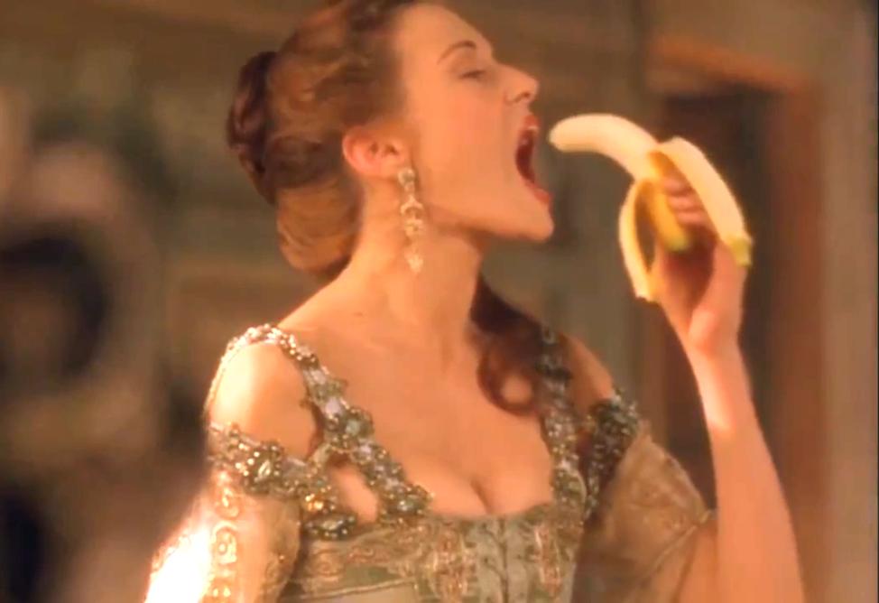 #经典看电影#贵妇人吃香蕉,在座其他人惊恐万分!