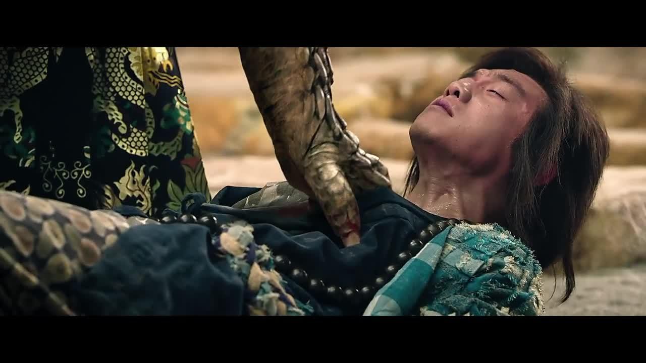#一起看电影#玉女为了救心爱之人,甘愿吃下天蚕蛊,只能任大魔头摆布