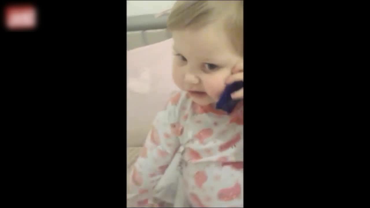 笑出腹肌!各国萌宝给爸爸打电话 第四弹