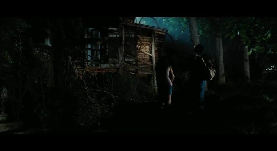 帅哥靓女深夜进入无人旧房子会发生什么